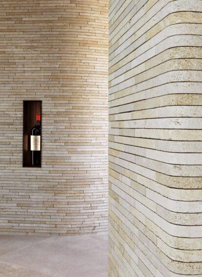 vue du mur en pierre dans l'orangerie